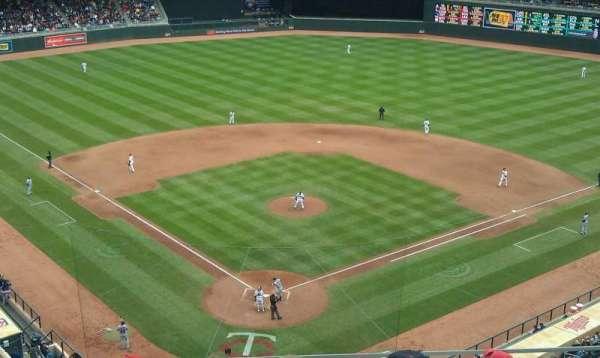 Target Field, secção: 214, fila: 6, lugar: 12