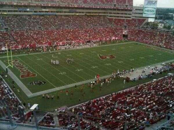Raymond James Stadium, secção: 329, fila: A, lugar: 5