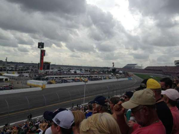 Daytona International Speedway, secção: Oldfield Box A, fila: 24, lugar: 15