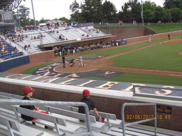 Davenport Field, secção: 101, fila: I
