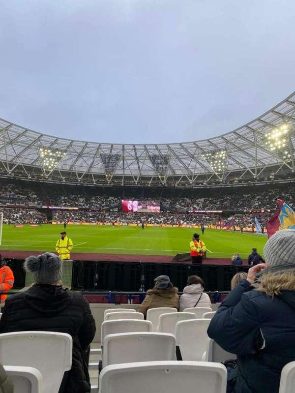 London Stadium, secção: 125, fila: 7, lugar: 495