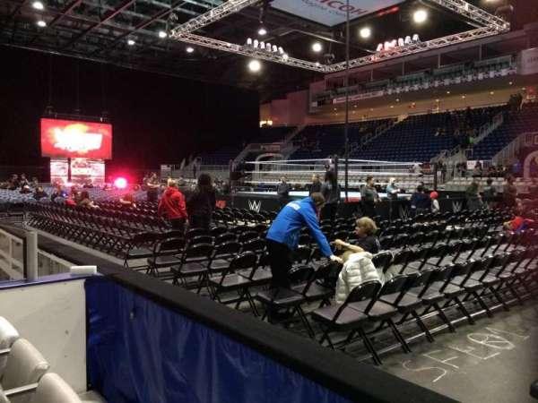 Coca-Cola Coliseum, secção: 119, fila: DD, lugar: 8