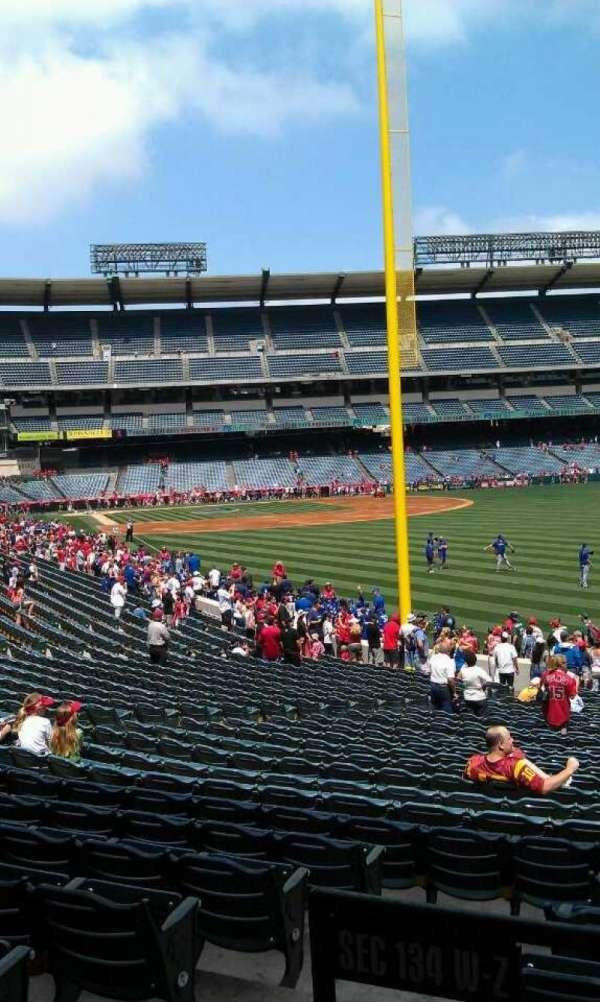 Angel Stadium, secção: T232, fila: a, lugar: 1