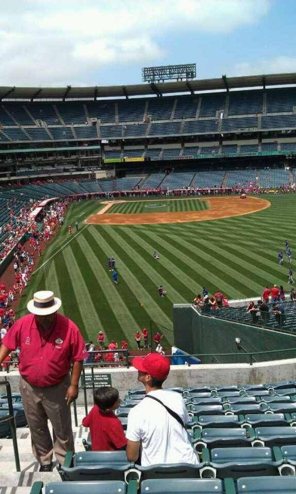 Angel Stadium, secção: T233, fila: l, lugar: 2