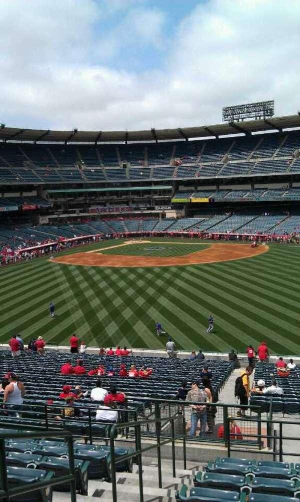 Angel Stadium, secção: P248, fila: k , lugar: 2