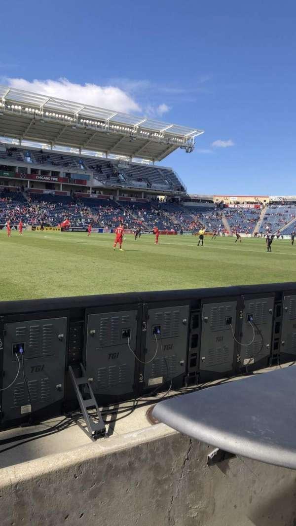 SeatGeek Stadium, secção: Fieldside, fila: 1, lugar: 8