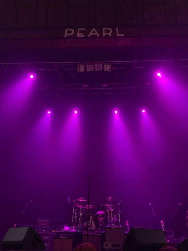 Pearl Theater, secção: 103, fila: C, lugar: 8