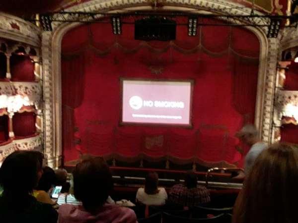 Olympia Theatre, secção: Circle, fila: F, lugar: 17