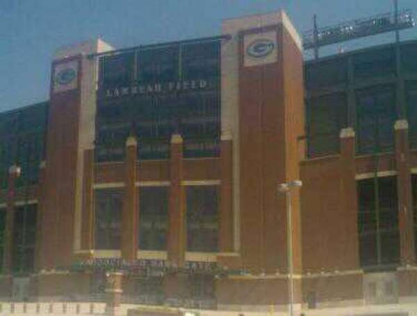 Lambeau Field, secção: Associated Bank Gate
