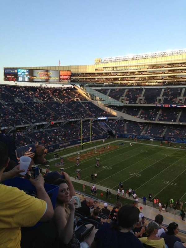 Soldier Field, secção: 338, fila: 15, lugar: 18