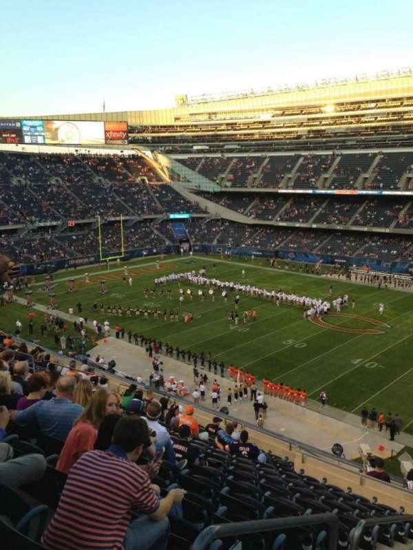 Soldier Field, secção: 333, fila: 15, lugar: 3