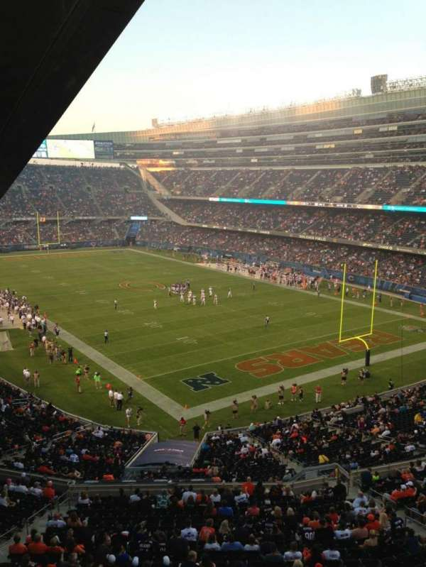 Soldier Field, secção: 326, fila: 3, lugar: 3