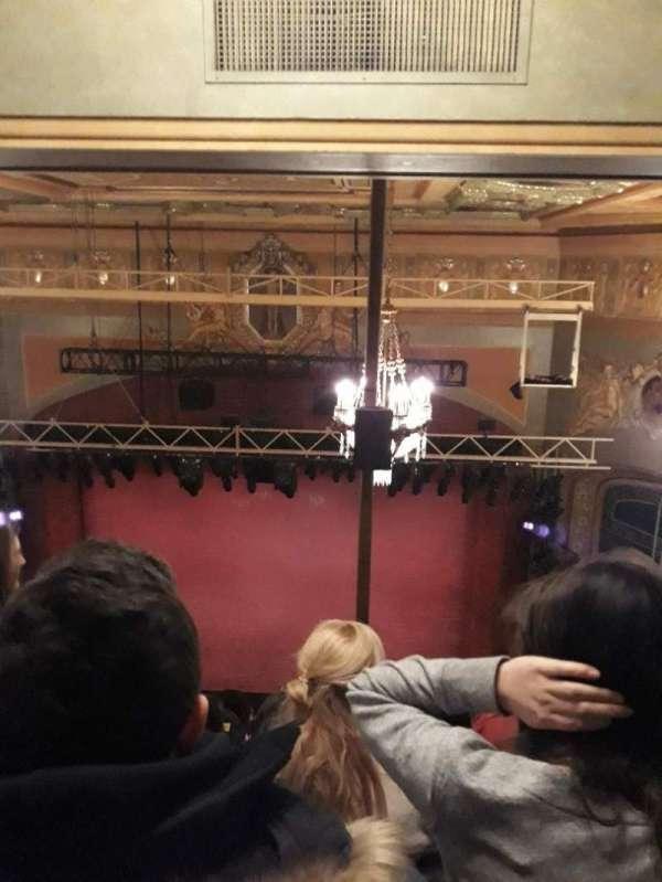Shubert Theatre, secção: Balcony, fila: J, lugar: 102