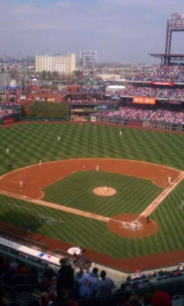 Citizens Bank Park, secção: 422, fila: 4, lugar: 24