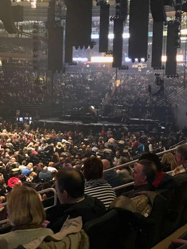 Madison Square Garden, secção: 106, fila: 7