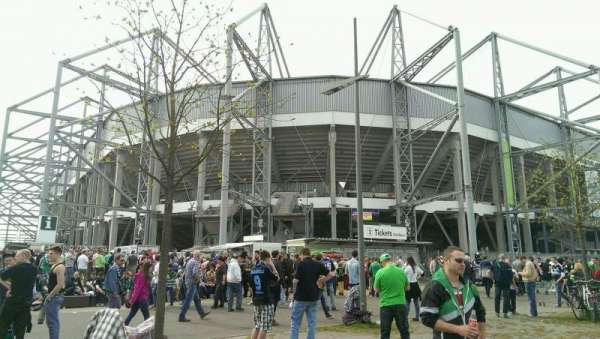 Borussia Park, secção: Outside