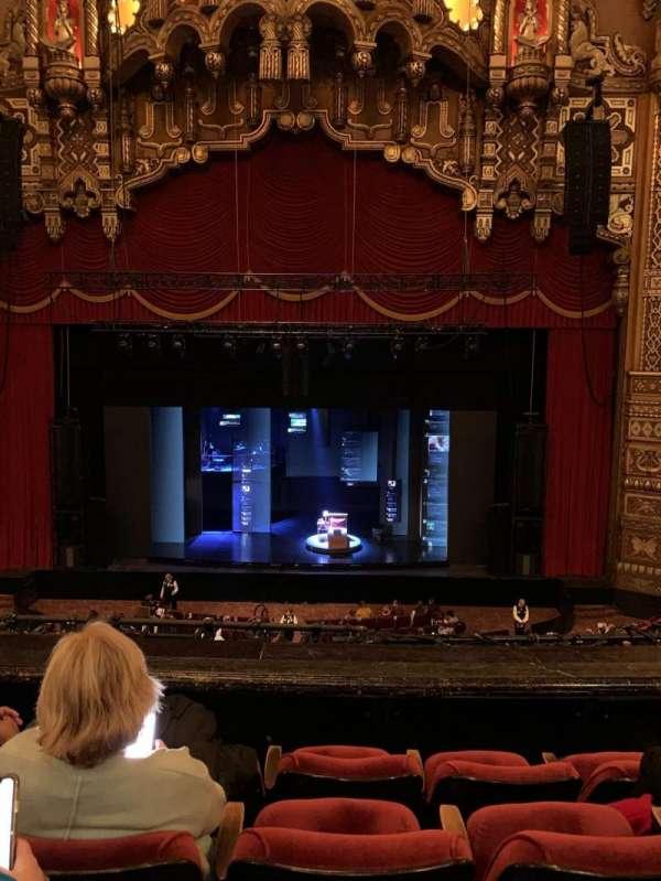 The Fabulous Fox Theatre (St. Louis), secção: Mezzanine 4, fila: DD, lugar: 104