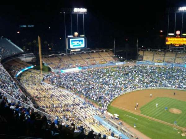 Dodger Stadium, secção: Top Deck, fila: P, lugar: 21