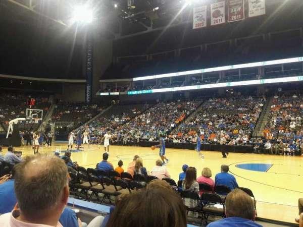 VyStar Veterans Memorial Arena, secção: 102, fila: C, lugar: 11