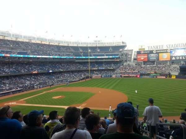 Yankee Stadium, secção: 214A, fila: 15, lugar: 1