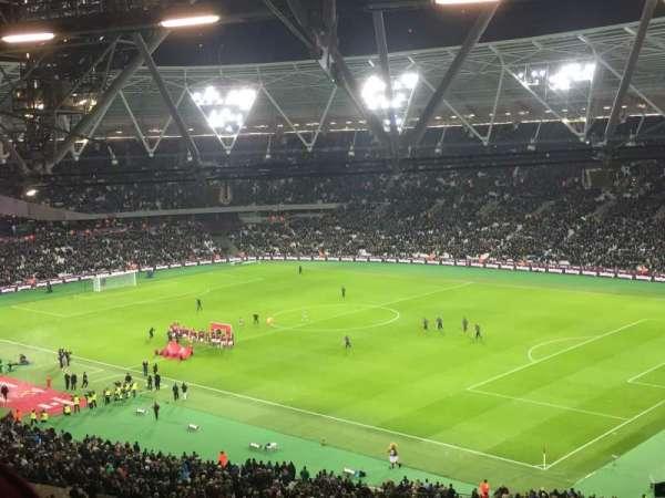 London Stadium, secção: 214, fila: 64, lugar: 240