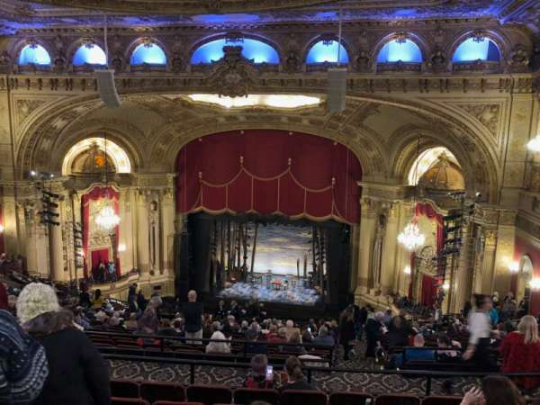 Citizens Bank Opera House, secção: Balcony RC, fila: V, lugar: 12