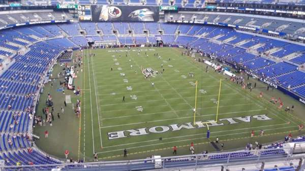 M&T Bank Stadium, secção: 542, fila: 8, lugar: 8
