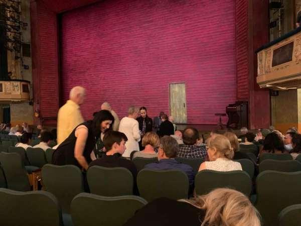 Shubert Theatre, secção: Orchestra R, fila: M, lugar: 10