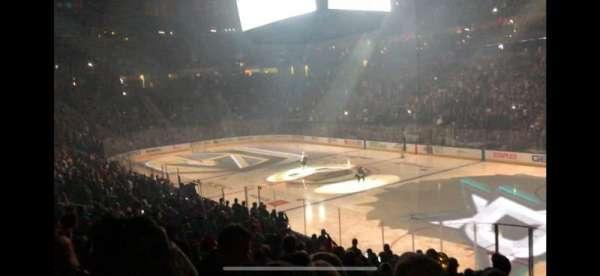 T-Mobile Arena, secção: 8, fila: R, lugar: 15
