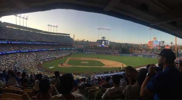Dodger Stadium, secção: 122LG, fila: R, lugar: 4