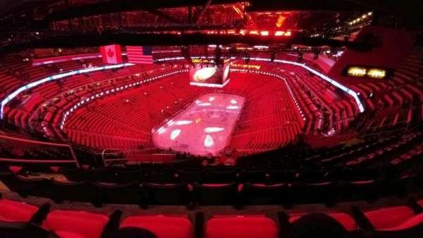 Little Caesars Arena, secção: 217, fila: 12