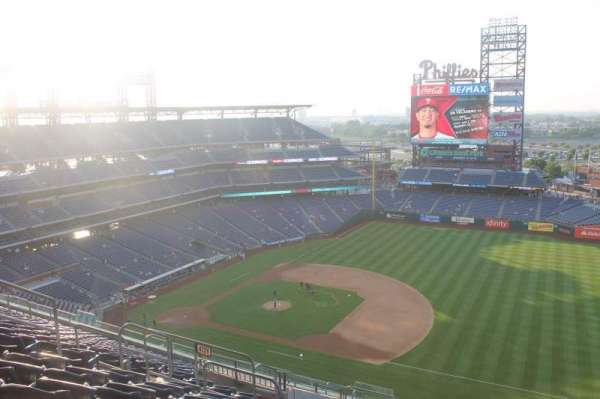 Citizens Bank Park, secção: 413, fila: 14
