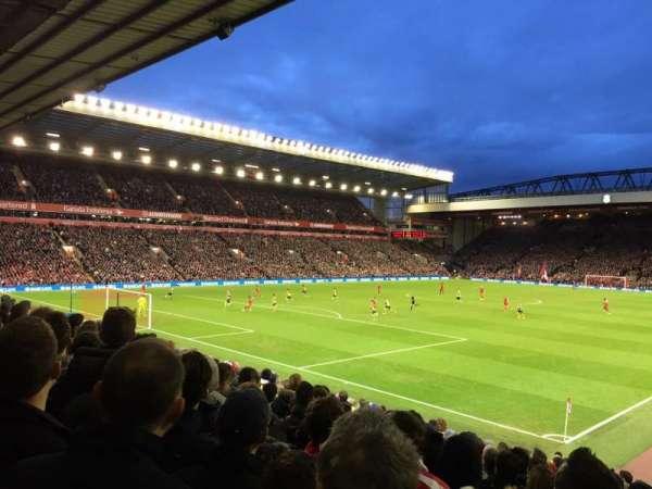 Anfield, secção: 122, fila: 22, lugar: 0017