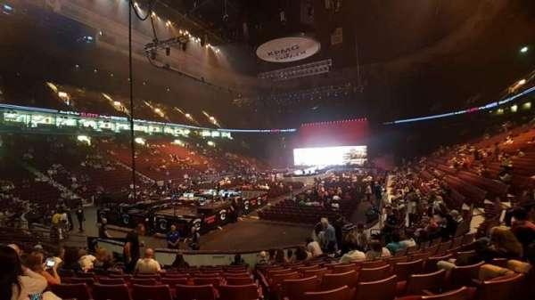 Rogers Arena, secção: 111, fila: 11, lugar: 16