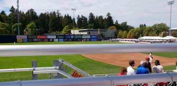Nat Bailey Stadium, secção: 11, fila: 3, lugar: 15