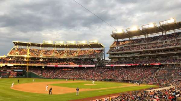 Nationals Park, secção: 112, fila: AA, lugar: 1