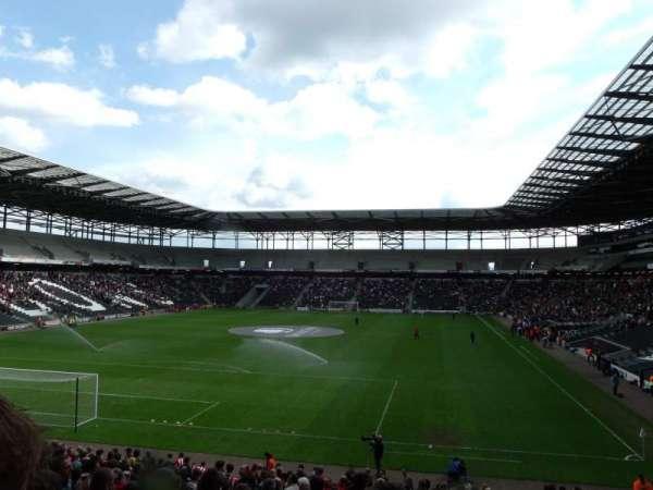 Stadium MK, secção: 30, fila: CC, lugar: 0867
