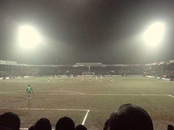Glanford Park, secção: South Stand, fila: H, lugar: 0049