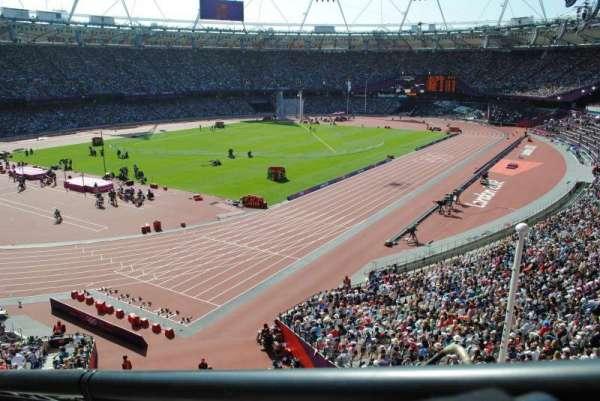 London Stadium, secção: 256, fila: 43, lugar: 662