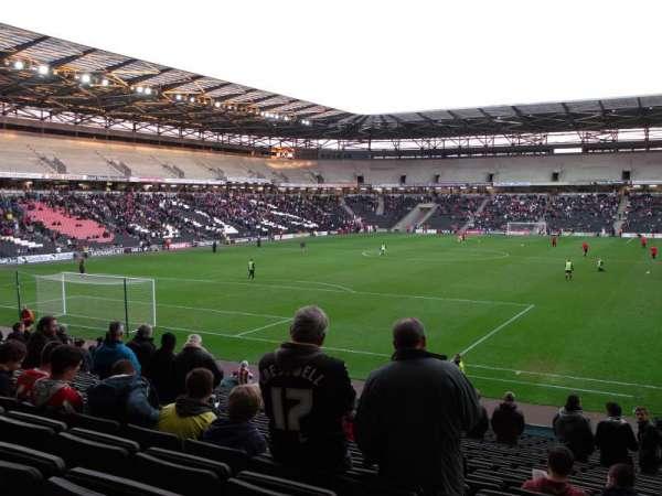 Stadium:mk, secção: 30, fila: Y, lugar: 857
