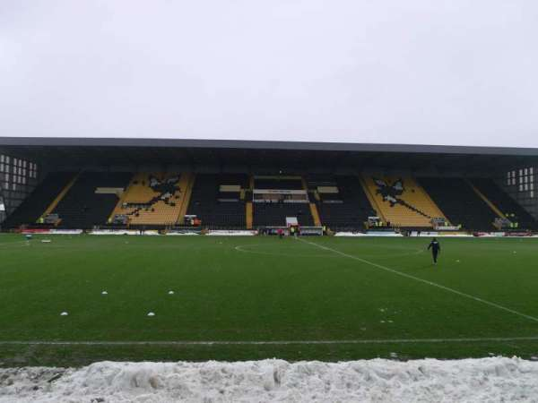 Meadow Lane, secção: Y2, fila: F, lugar: 905
