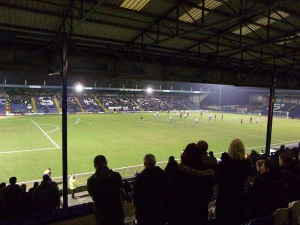 Gigg Lane, secção: Main Stand, fila: E, lugar: 165