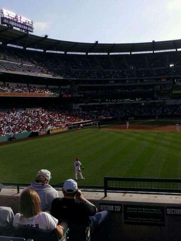 Angel Stadium, secção: P238, fila: F, lugar: 1