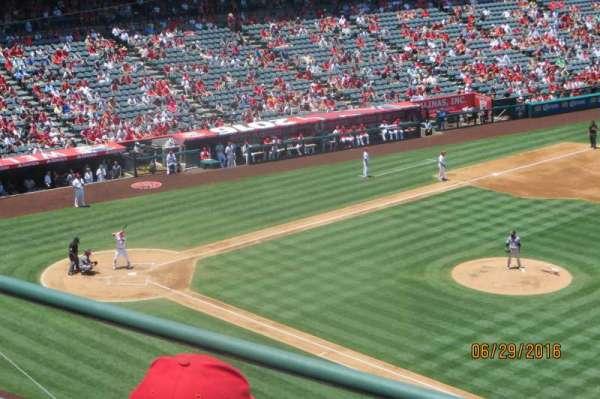 Angel Stadium, secção: V427, fila: C, lugar: 6