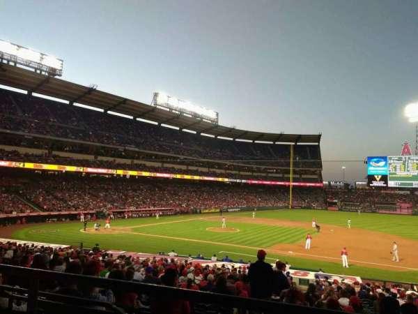 Angel Stadium, secção: T224, fila: B, lugar: 14