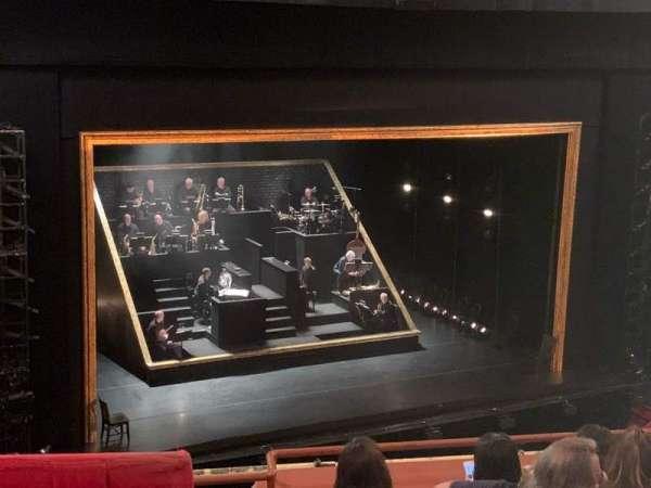 Cadillac Palace Theater, secção: Balcony L, fila: D, lugar: 7