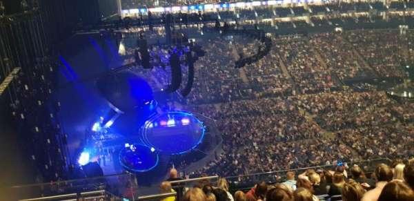 The O2 Arena, secção: 403, fila: K, lugar: 469