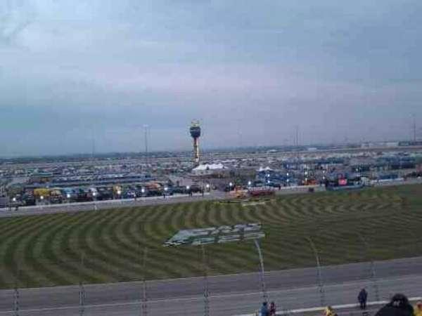 Chicagoland Speedway, secção: 103, fila: 30