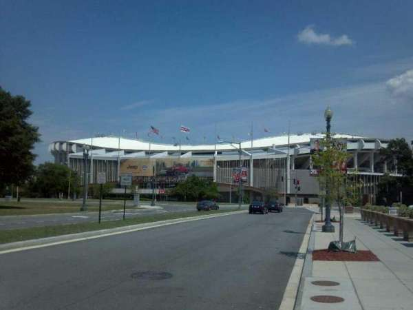 RFK Stadium, secção: Outside