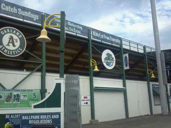 Centennial Field, secção: Entrance